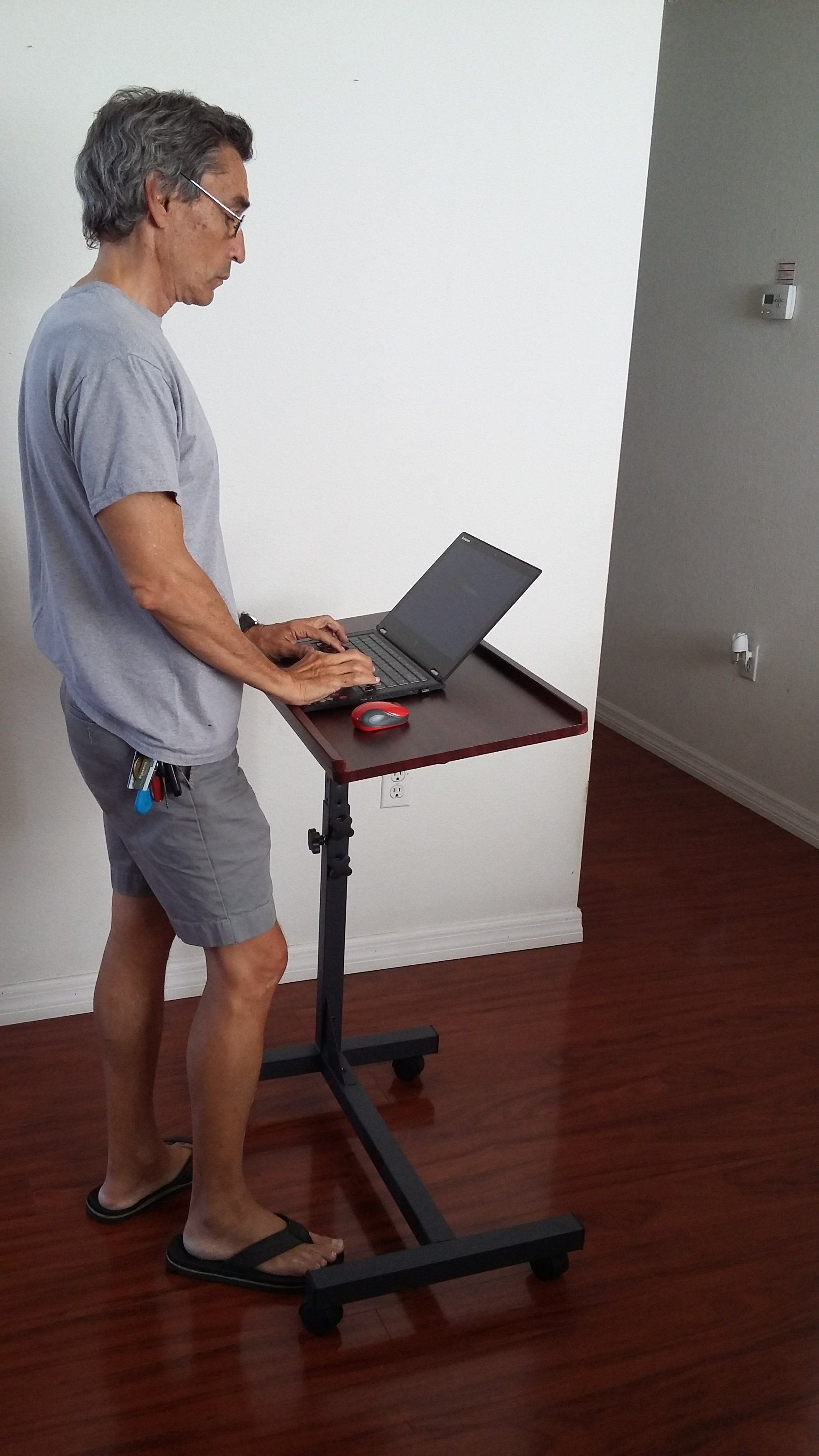 LM2 Rolling Laptop over the bed table heightadjustable