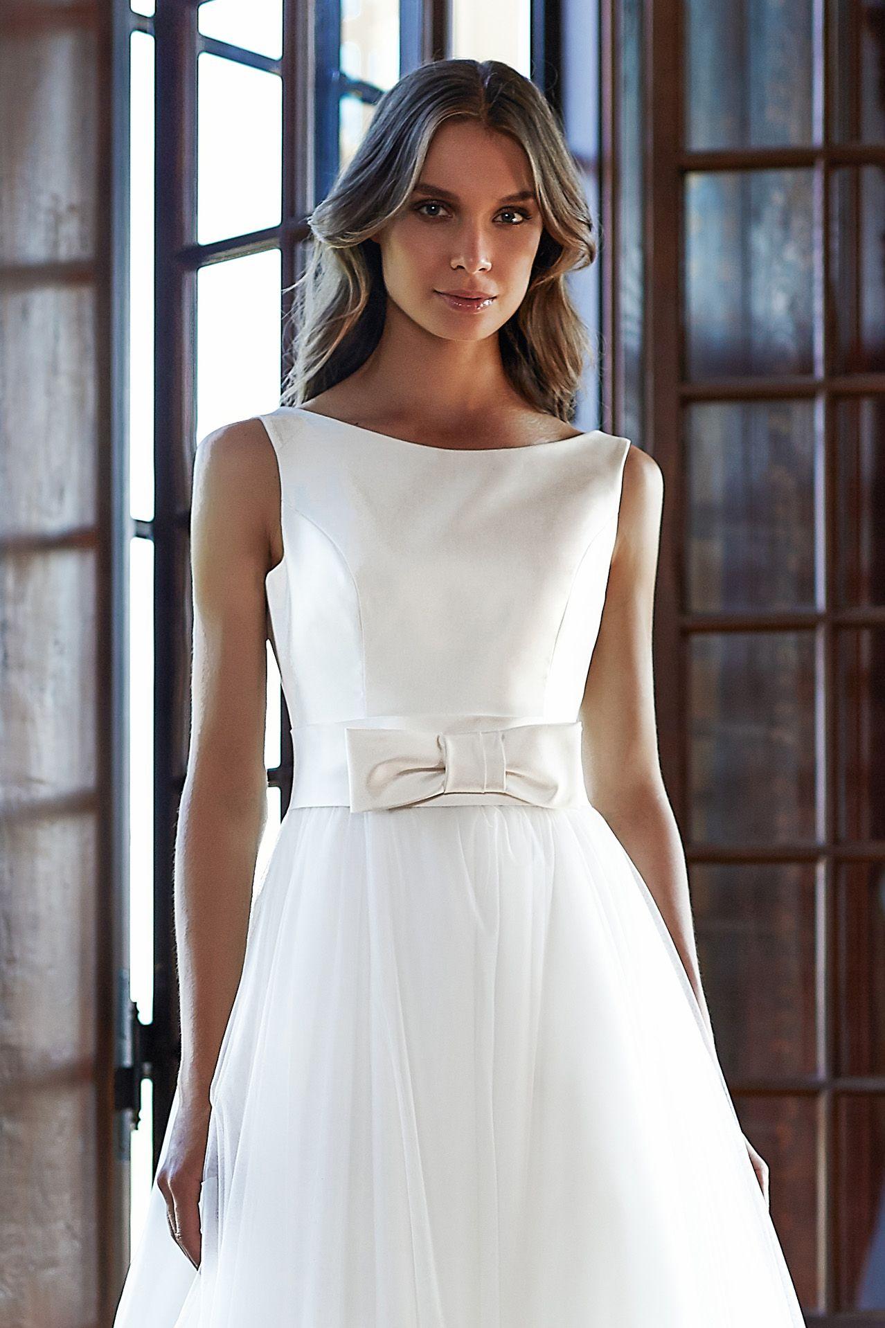 MODELLO SB 1018 Splendido abito da sposa con bustino in mikado di seta pura  impreziosito da 2f261fc93b1