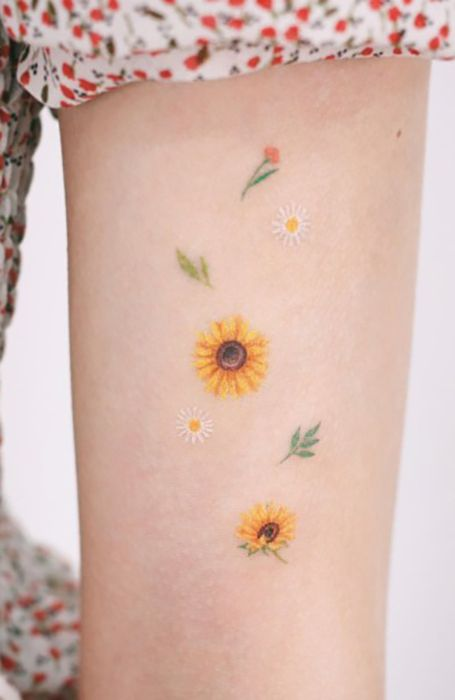 23 Sunflower Tattoos for Optimistic Ladies - The Trend Spotter