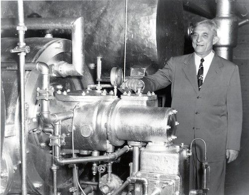 Willis H Carrier With His Centrifugal Chiller 1930s Carrier