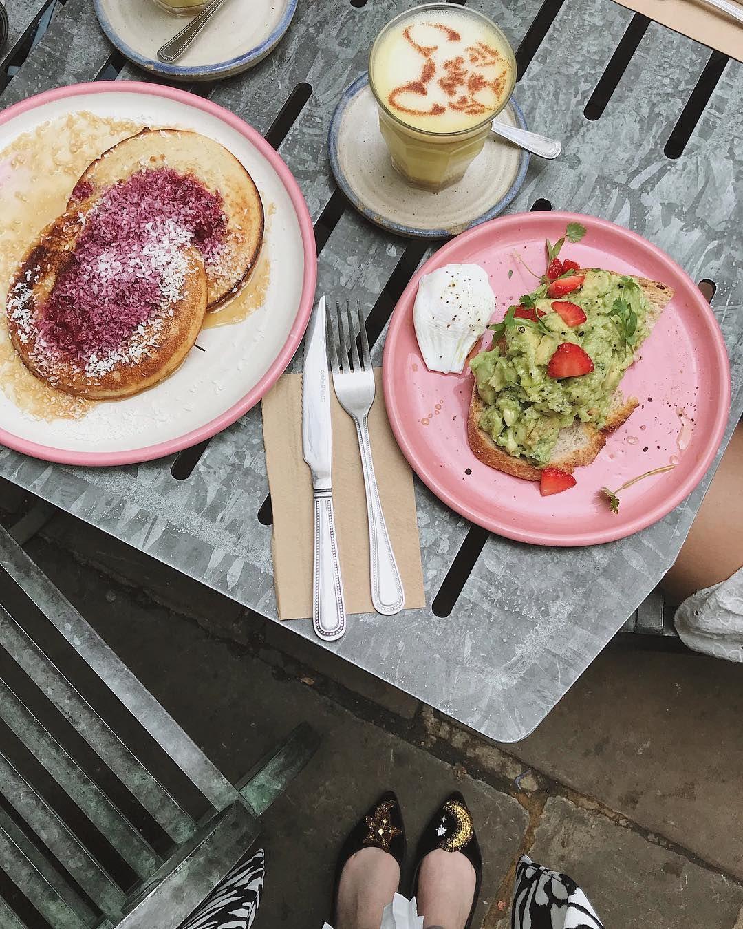 IG MonicaBialucci Farm Girl London Śniadanie, Kawiarnia