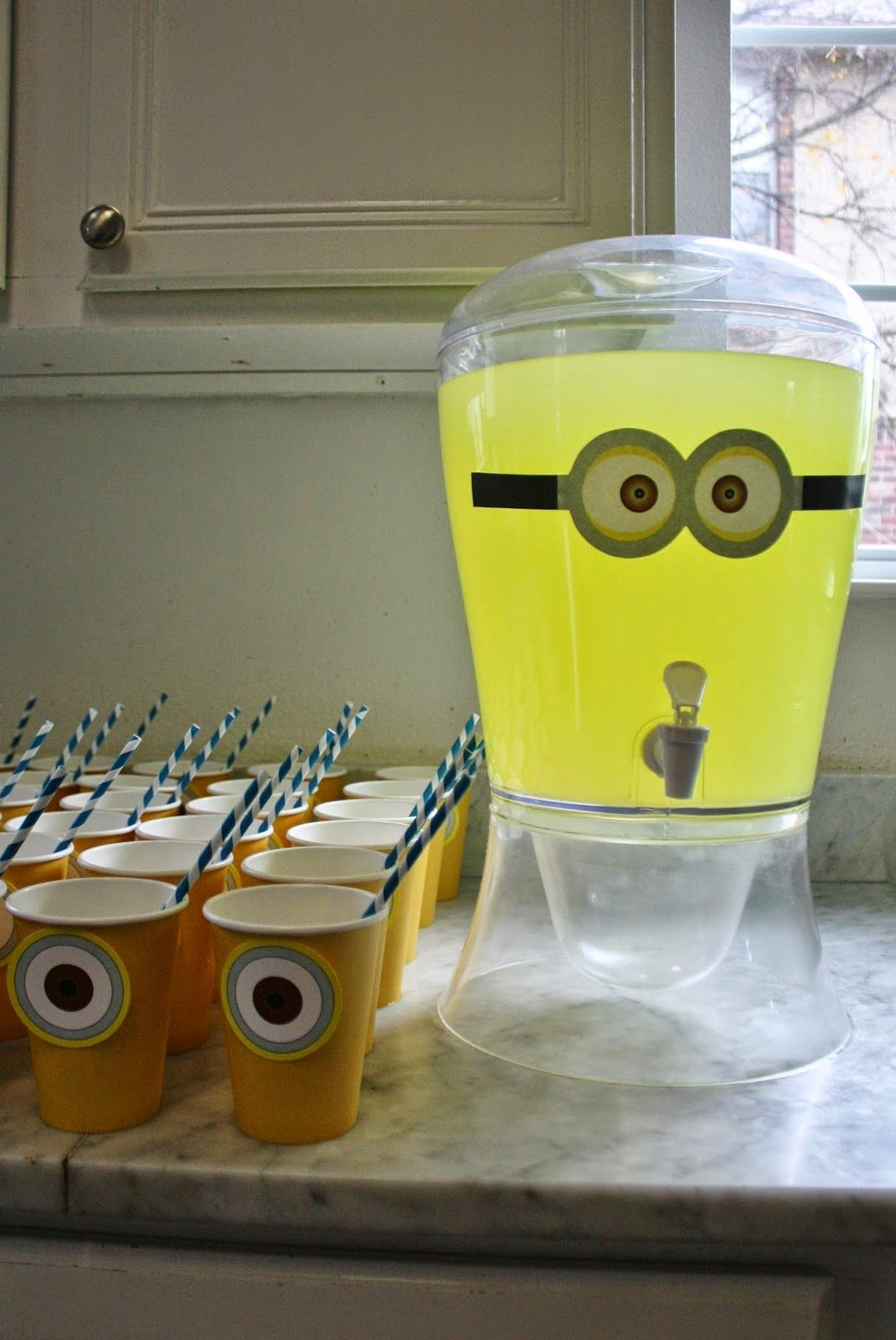 Lemonade and cups with minion eyes for