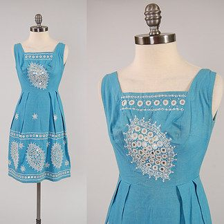 32 Of The Best Places To Shop For Vintage Clothes Online Vintage Clothing Online Vintage Outfits Dress Details