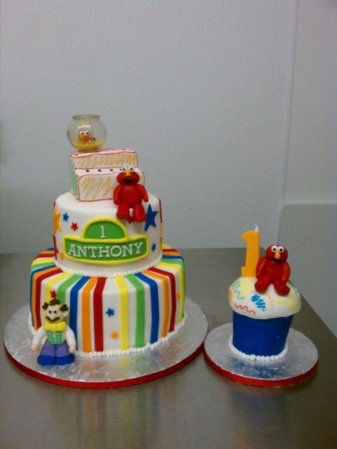 Anthonys Elmo theme First Birthday cake and matching Elmo smash