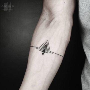 Imagenes De Tatuajes Simples Para Hombres En El Antebrazo Tatuaje De Triangulo Tatuajes Para Hombres Tatuajes Geometricos