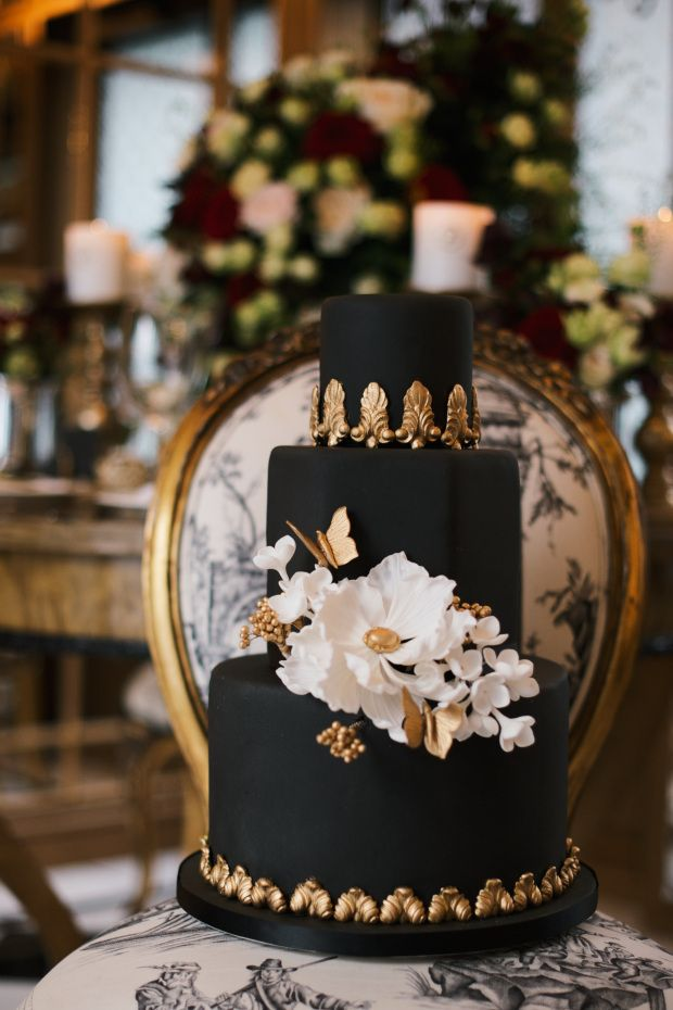 A dramatic wedding cake will be a showstopper at your wedding reception.