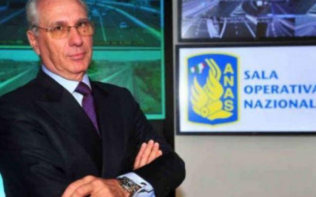 Il presidente dell'Anas, Pietro Ciucci, si dimette dopo il cedimento di alcune strade #pietrociucci #anas