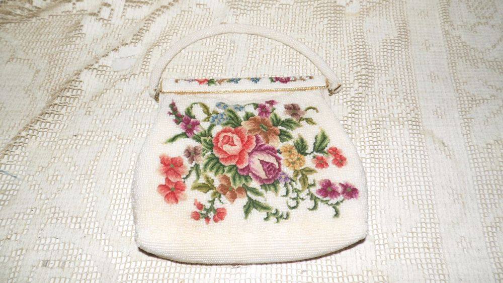 VINTAGE TAPESTRY ROSES FLORAL BEADED PURSE BEAUTIFUL! #UNKNOWN #Clutch