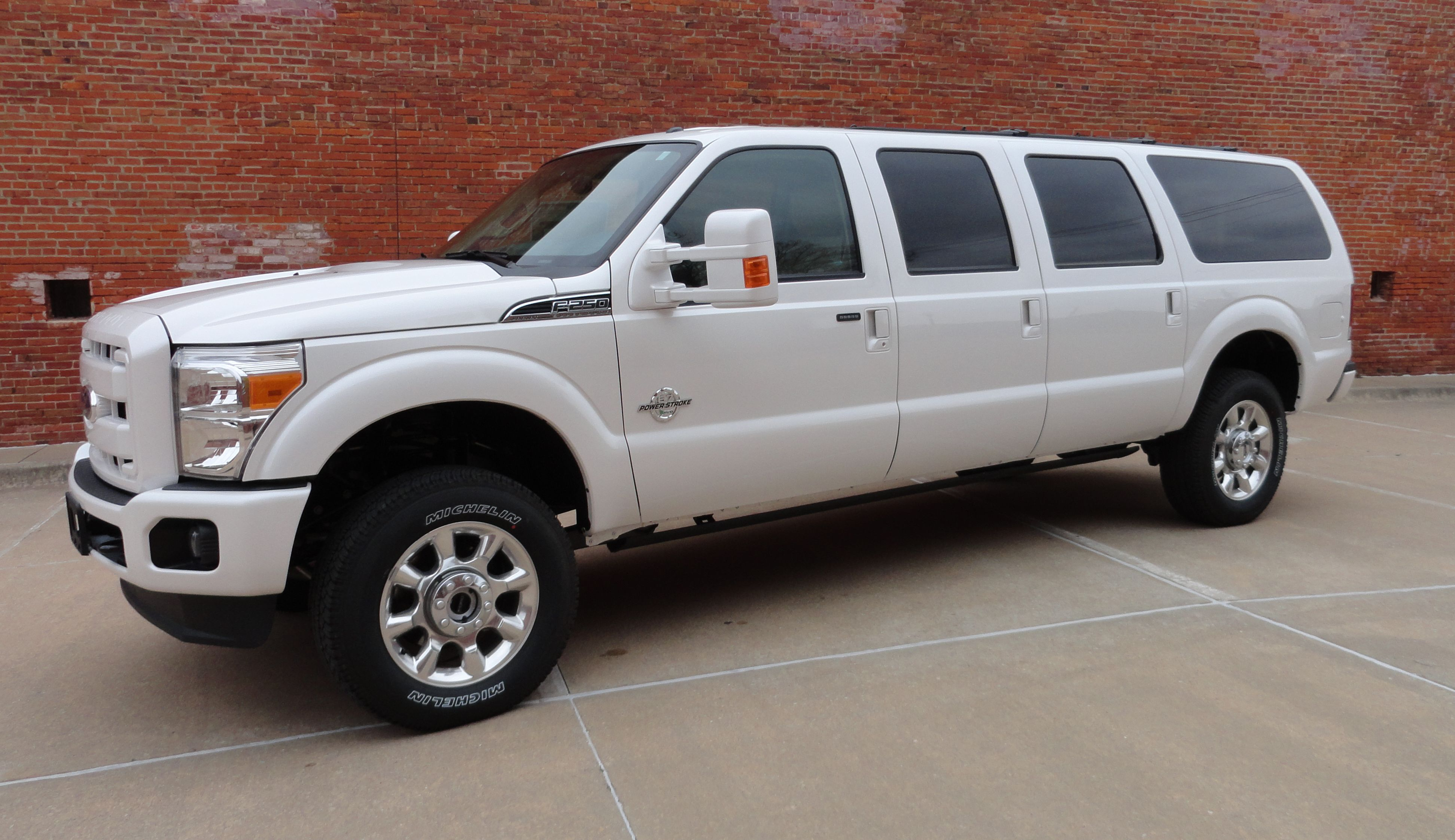 New Ford Excursion >> New Ford Excursion Suv Pinterest Ford Excursion Ford And Ford