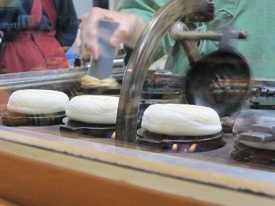 梅ヶ枝餅と蕎麦の店 やす武 太宰府天満宮参道店