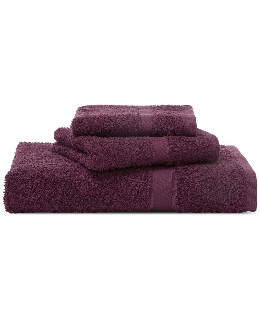 "Martex Endless Color 30"" x 54"" Bath Towel Fútbol"