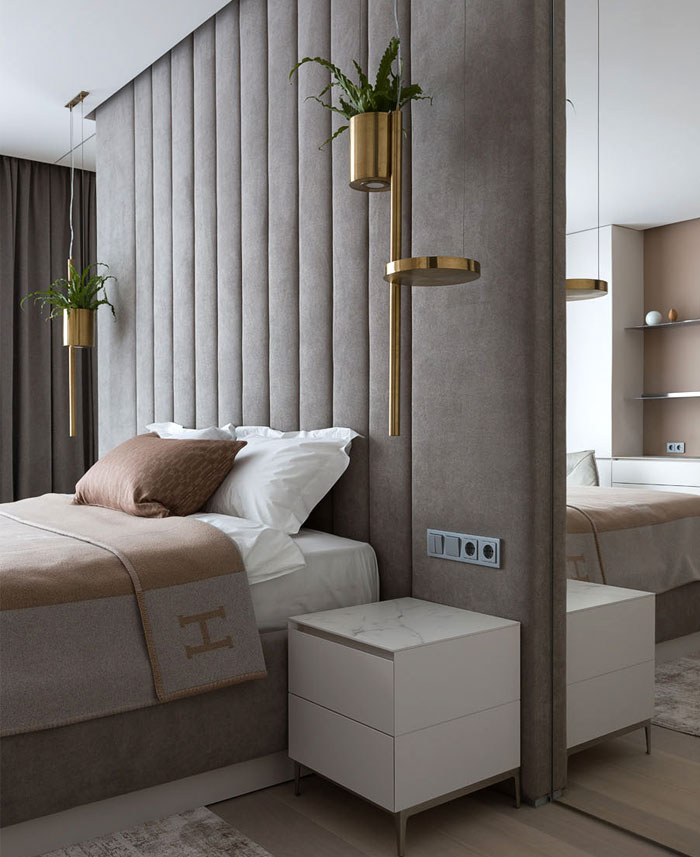 Apartment Decor with Elegant Textures of Light Wood and Marble