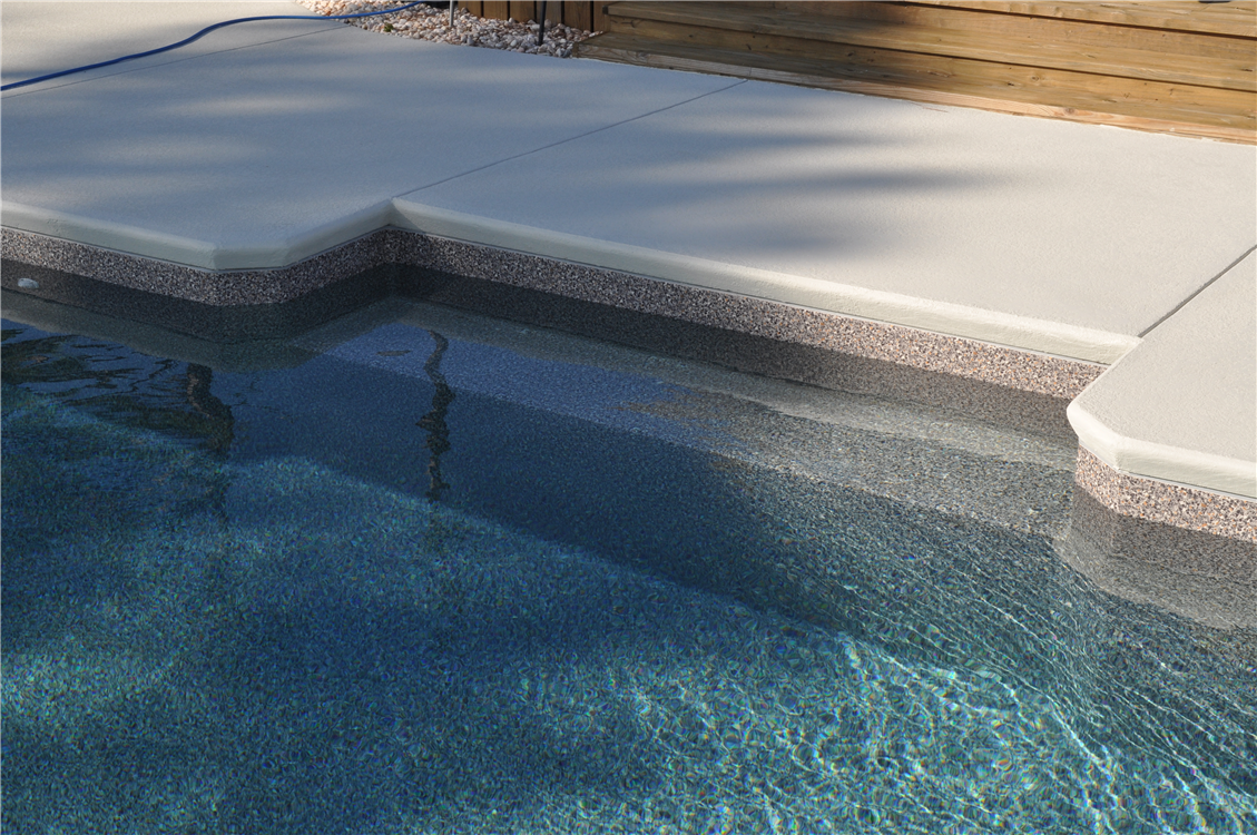 In Pool Bench Seat Cantilever Concrete Decking With Cool Deck Coating Pool Pool Patio Concrete Pool