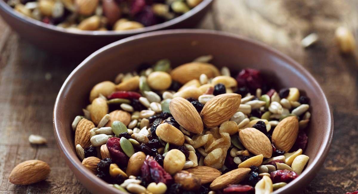 12 Healthy On-The-Go Paleo Snacks