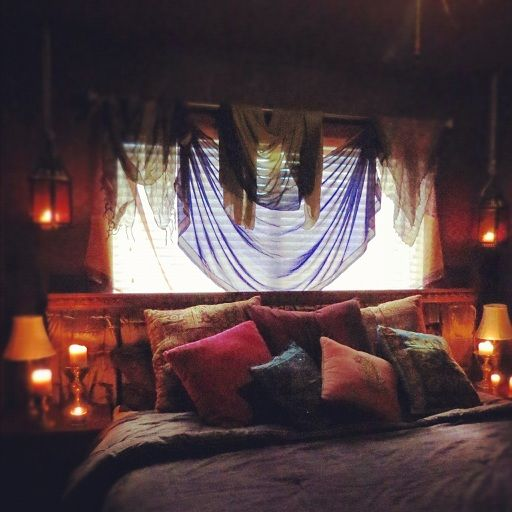 gypsy inspired tent design. india look bedroom. homemade pillows