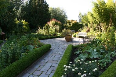 Who says a veggie garden can't be a little more formal? Designing beauty into the function of the kitchen garden.