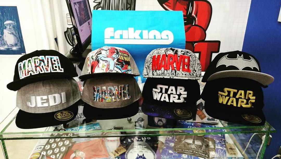 cbe4c74a1287 Ya están en FRIKING ÚBEDA la nueva colección de #gorras con licencia ...