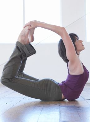 the 4 key yoga poses that enhance your body's digestive
