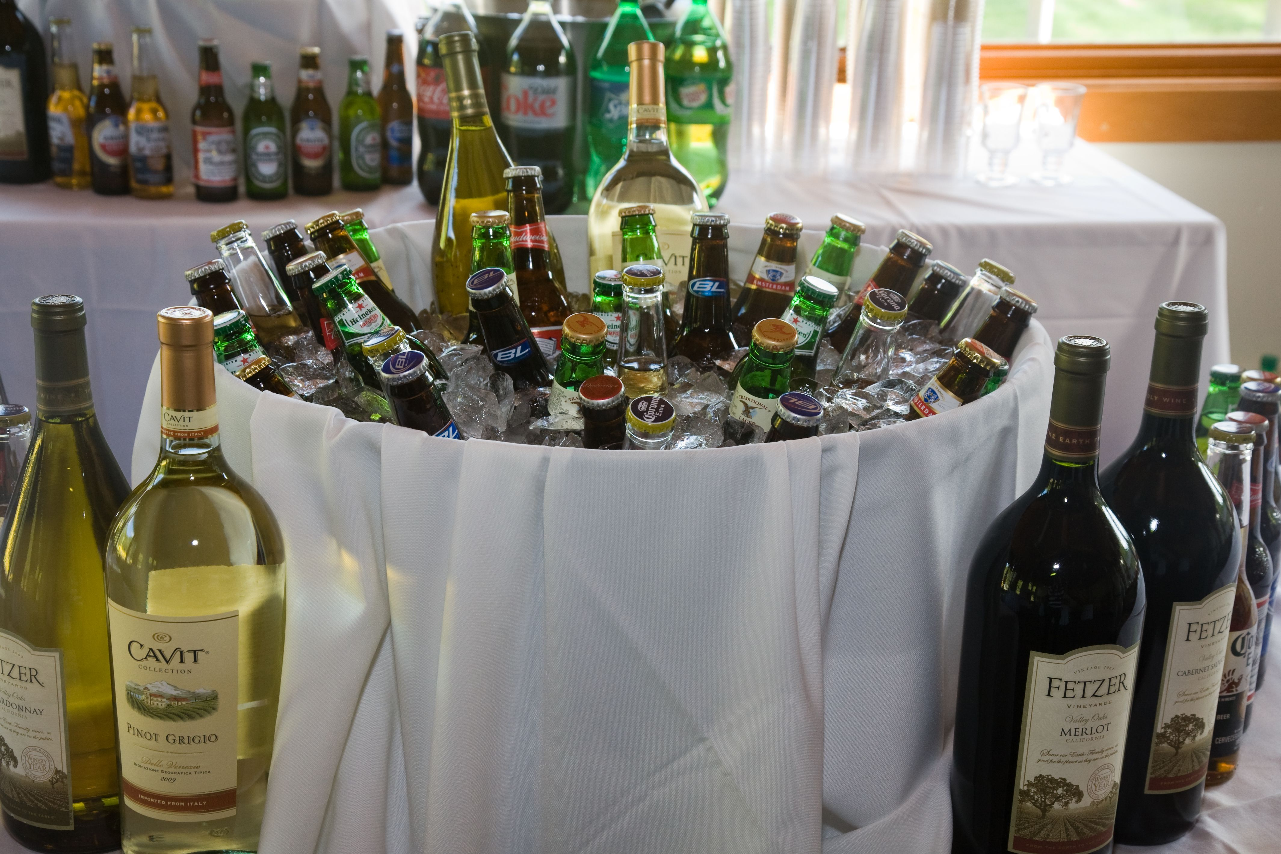 Images Of Tables For Ail Party How Many Drinks Per Person Wedding Reception On