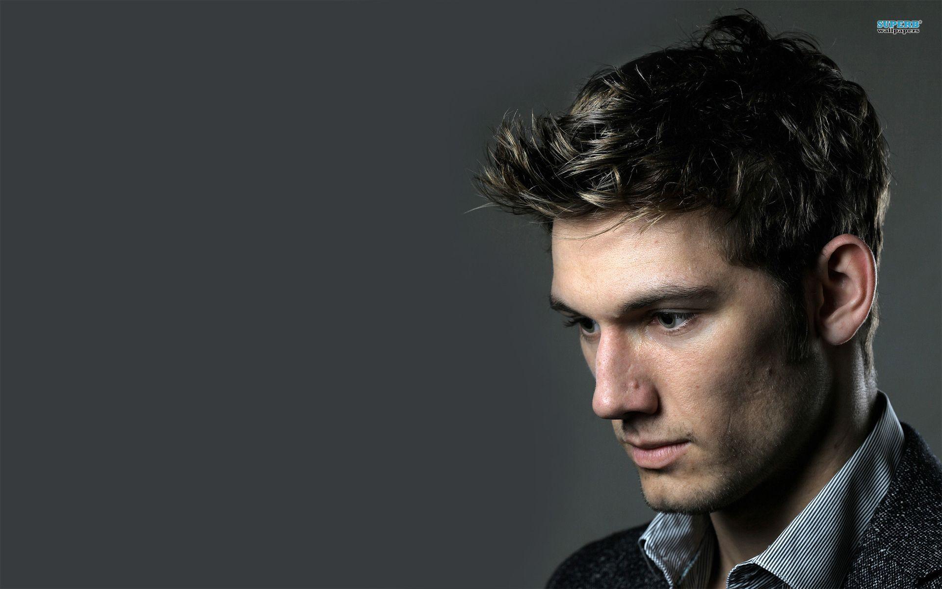 Men S Hair Style Hd Wallpapers Men S Hair Style Desktop Hd Alex Pettyfer Celebrities Male Mens Hairstyles