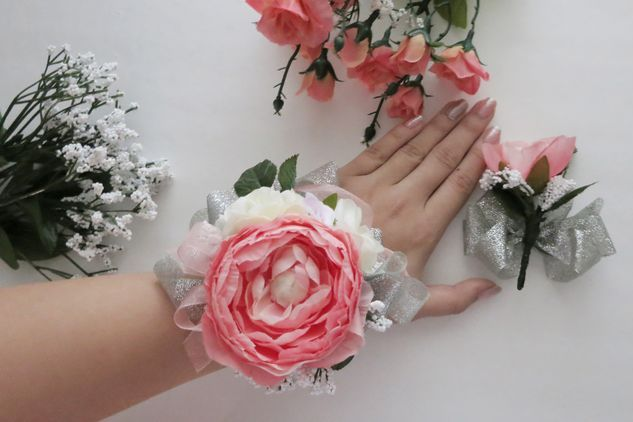 Gala Accessories Charming Diy Wrist Corsages Diy Wrist Corsage Diy Corsage Wrist Corsage
