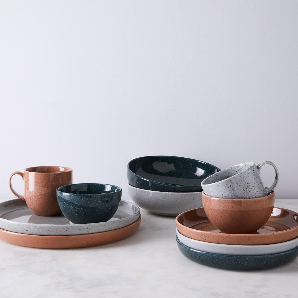Porcelain Speckled Dinnerware In 2020 Dinnerware Sets Scandinavian Dinnerware Dinnerware
