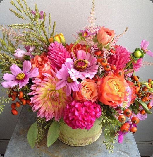 Orange Flower Arrangements For Weddings: Amazing Hot Pink And Orange Floral Arrangement
