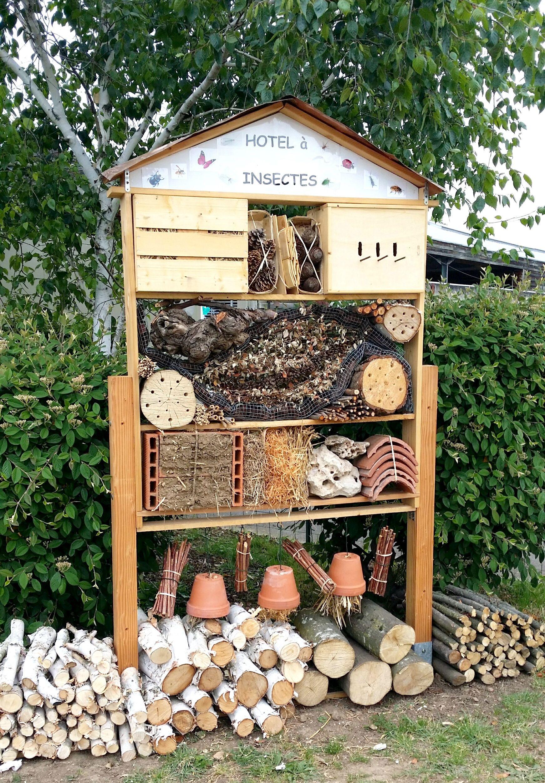 Botanic Villefranche Insektenhotel Hotel Insekten