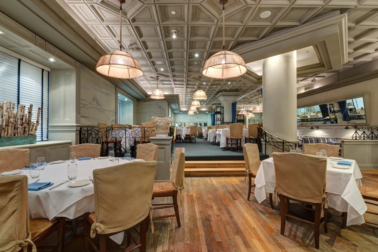 The Wellington Hotel Offers Great Dining At Greek Restaurant Molyvos We Are Located In Midtown Manhattan Center Of New York City