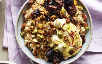 Orange honey oatmeal with pistachios figs and saffron yogurt 1440 medium
