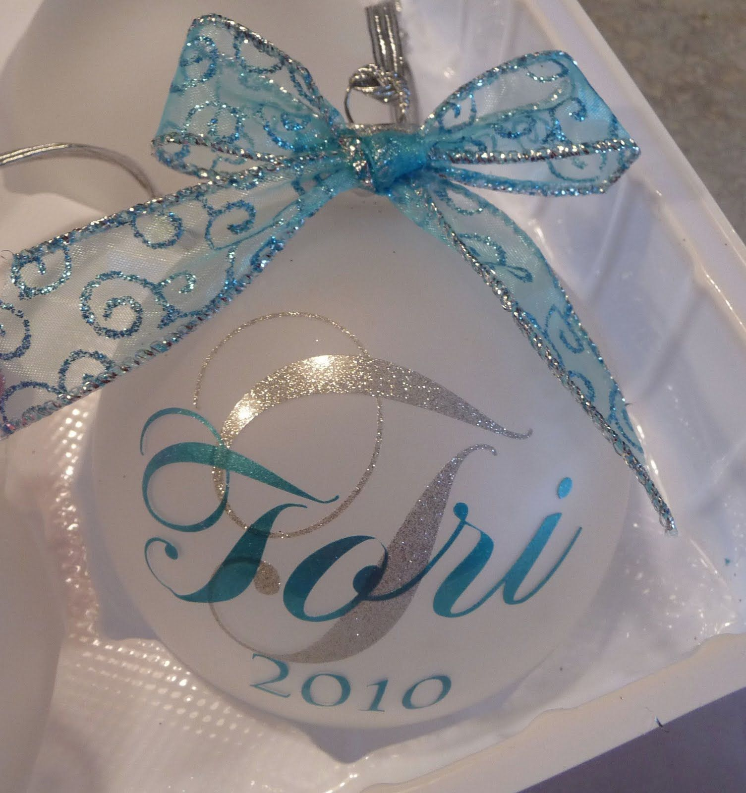 Cher's Signs by Design Personalized Ornaments Diy