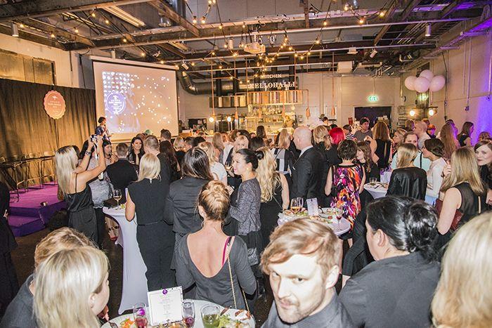Aussie Blog Awards http://monasdailystyle.costume.fi/2014/04/12/juhlissa/