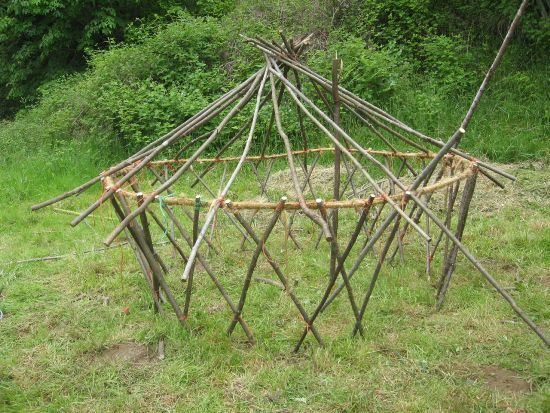 How To Build A Low Cost Diy Yurt Mother Earth News Yurt Building A Shed Building A Yurt
