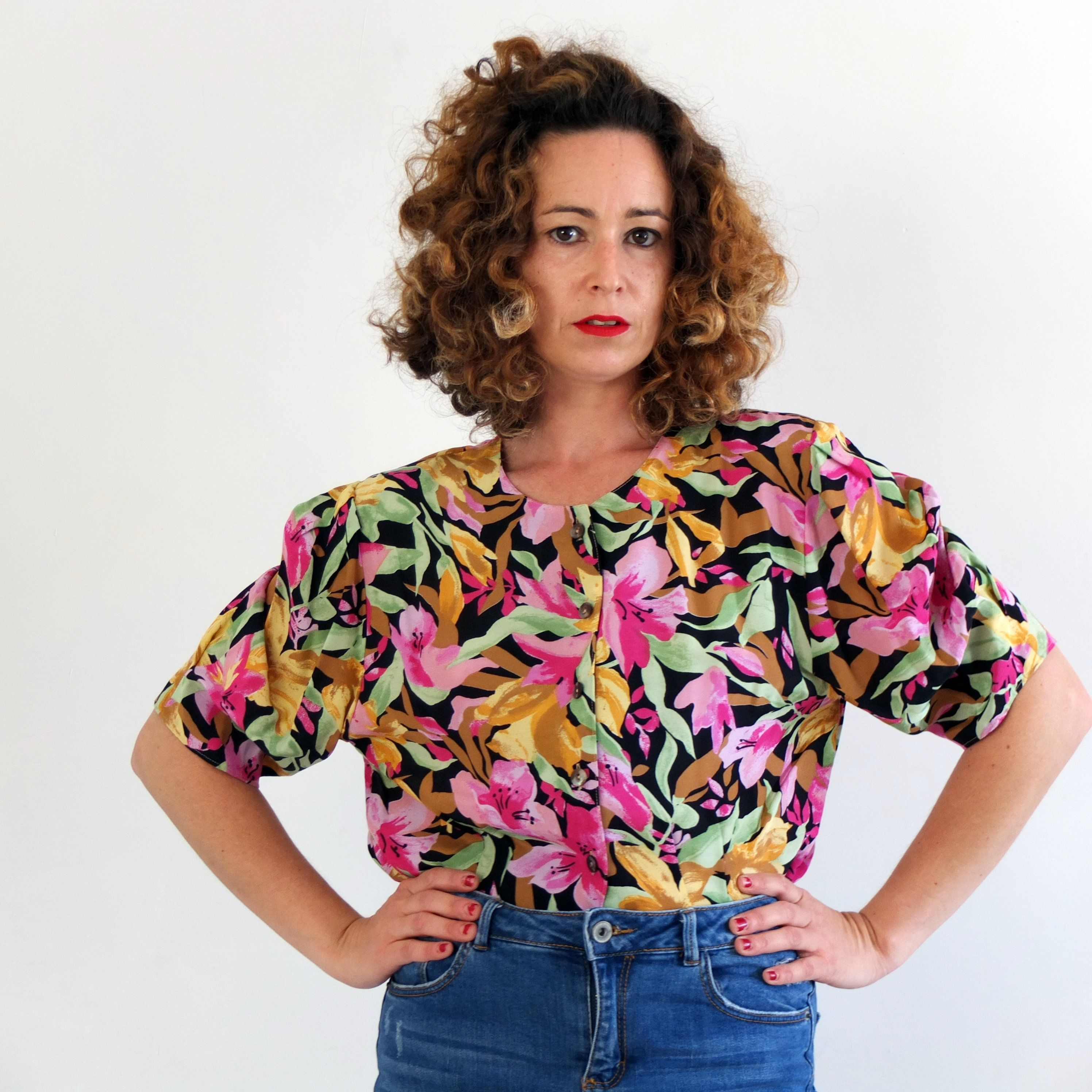 Vintage short sleeve floral blouse  vintage flower print blouse  vintage tropical blouse