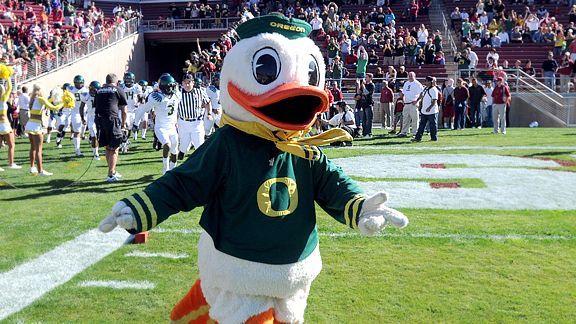 Mascot Monday The Oregon Duck Auburn Vs Oregon Ducks Oregon Ducks Football