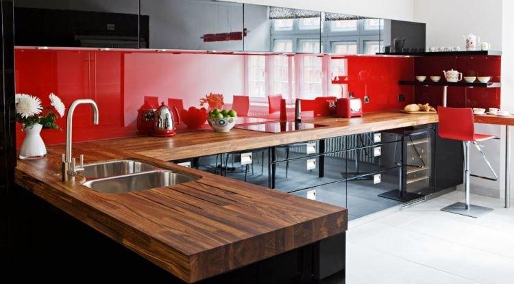 Cuisine Noire Et Bois En Idées De Design Dintérieur - Meuble escalier bois exotique pour idees de deco de cuisine