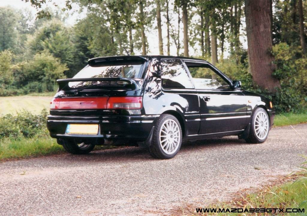 mazda 323 gtx another relatively ancient glassy boxy hatch cars and stuff. Black Bedroom Furniture Sets. Home Design Ideas