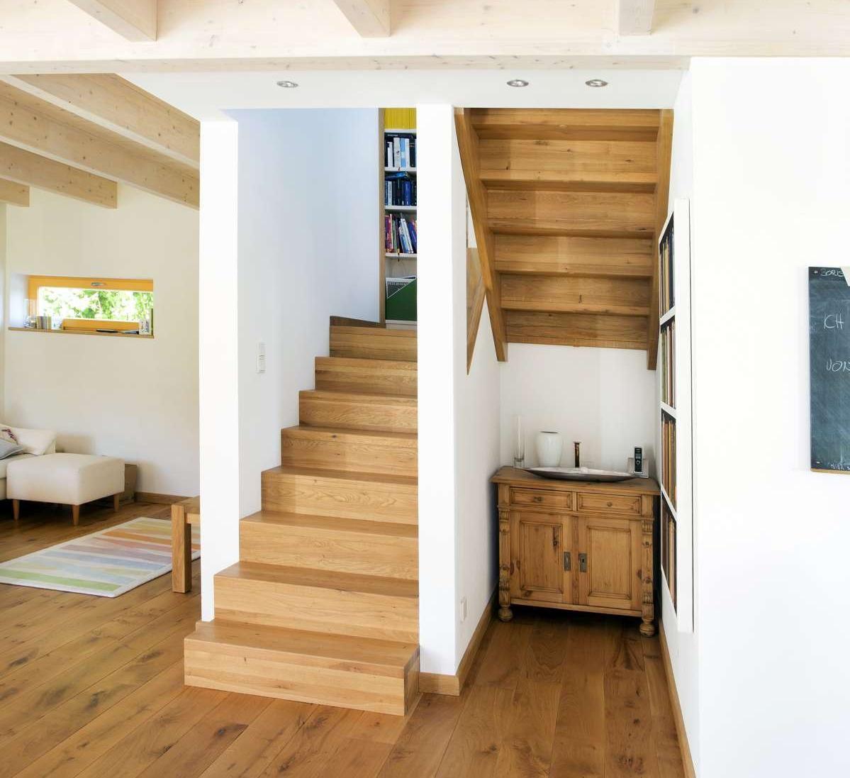 Dachgeschoss, Nur Offen In Den Raum