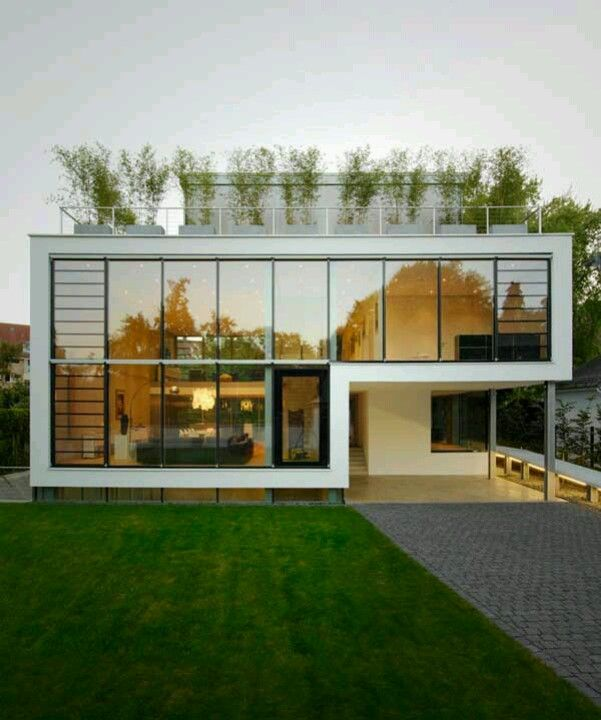 House R has been designed by German architect Roger Christ and is