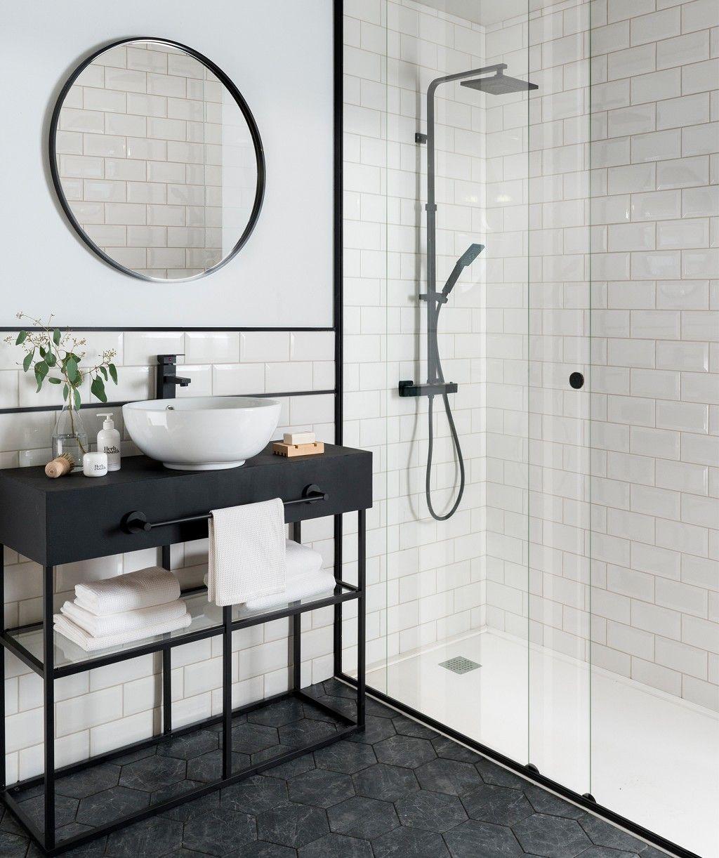 Metro White Tile With Images White Bathroom Tiles Bathroom Interior Bathroom Interior Design