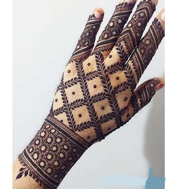 Floral Inspired Mehndi Design on Back Hand
