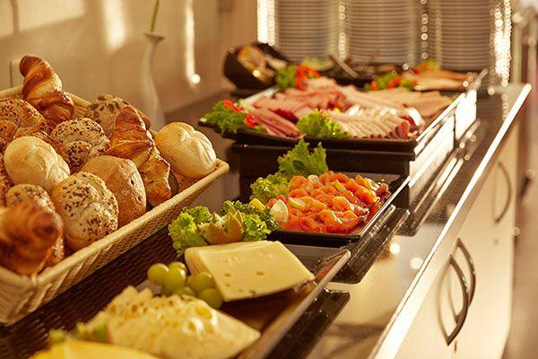 fruehstuecksbuffet breakfast buffet  hotel stade