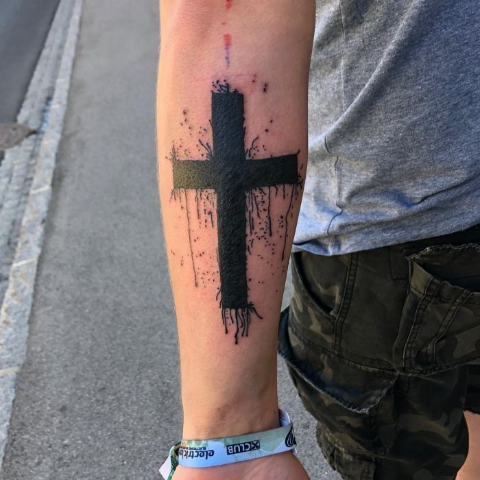 1001 + Ideen für ein Kreuz Tattoo + Infos über die