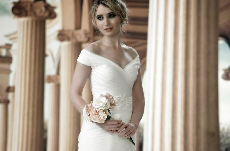 Phoenix Gowns | Wedding Dress Wholesale/Wedding Gown Wholesalers uk ...
