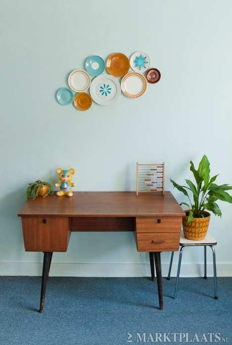 Lovely Vintage Desk Muur Met Borden Huis Interieur Muur Decor Woonkamer