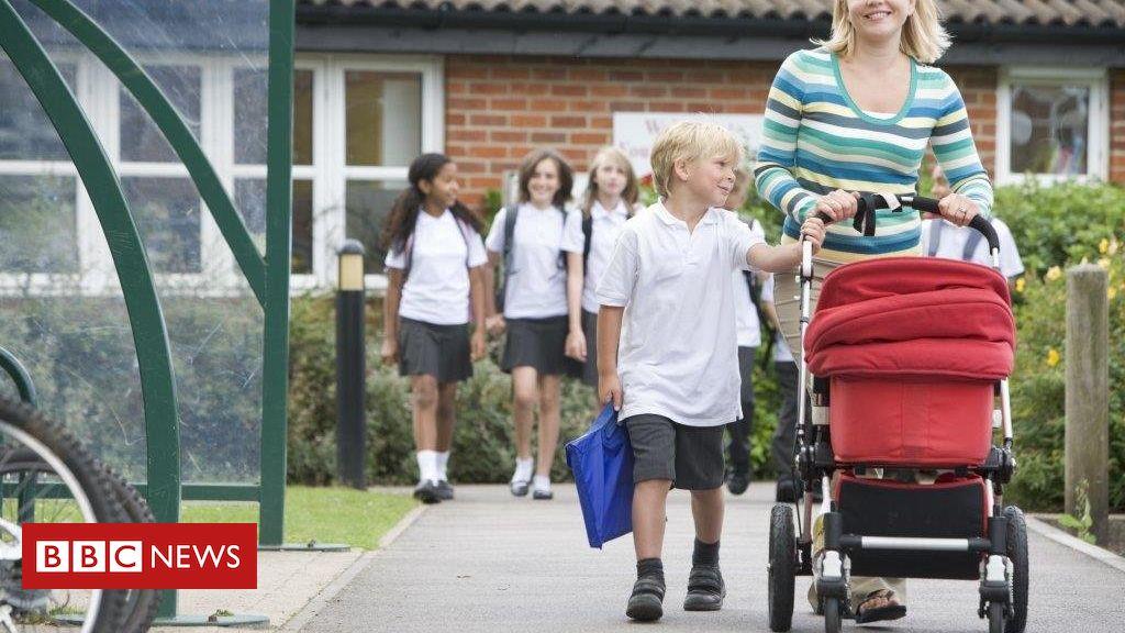 School delay 'does not help summerborn' School places