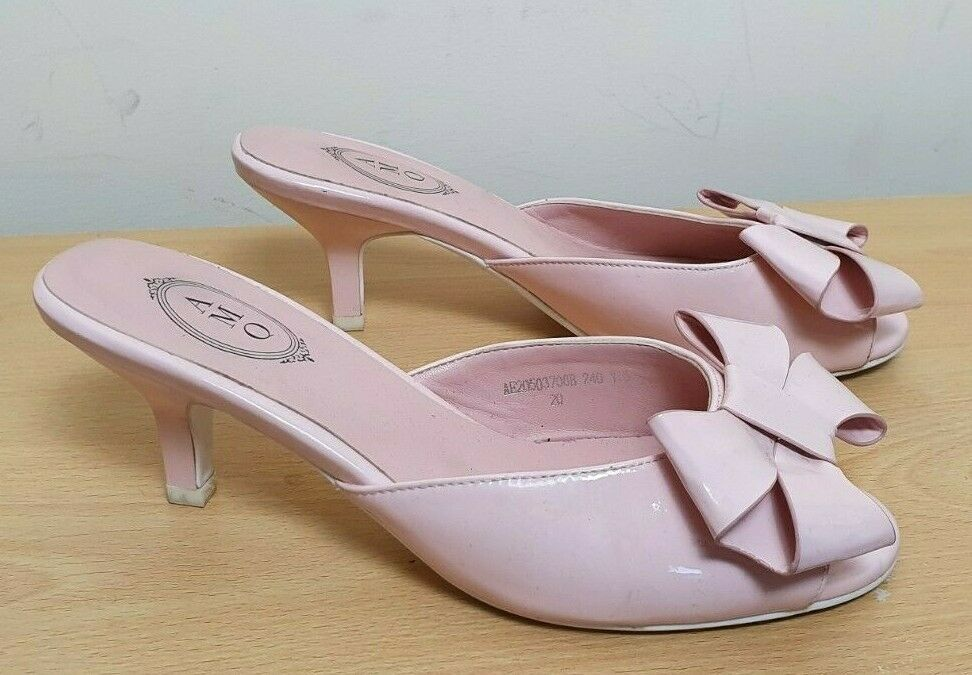 Amq Size 5 Pink Patent Leather Mules Slides Kitten Heels Low Peep Toe Bows Next Courtshoes Evenin Kitten Heels Leather Mules Pink Patent Leather
