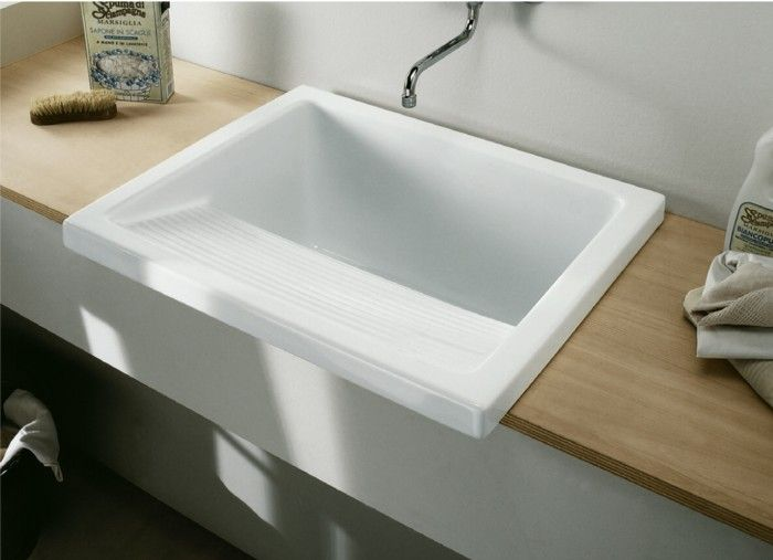 Clearwater Ceramic Utility/Laundry Sink Inc Flip Top Waste A Laundry Sink  Perfect For When The Duvet Is Too Big To Go In The Washing Machine.