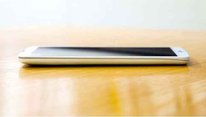 LG 지프로2 카메라로 무장한다? - OIS 플러스와 새로운 UI