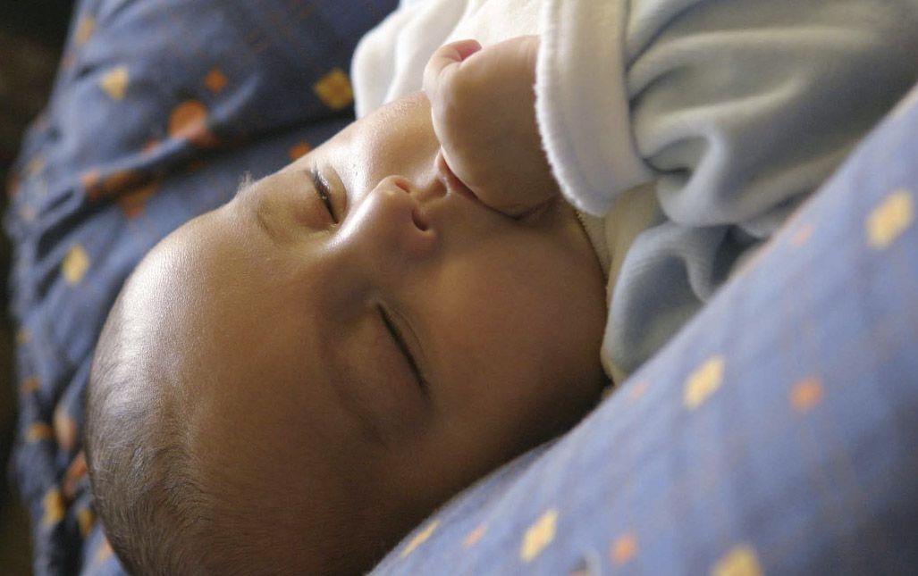 Pueden existir algunos riesgos relacionados con no colocar al bebé en la posición correcta.